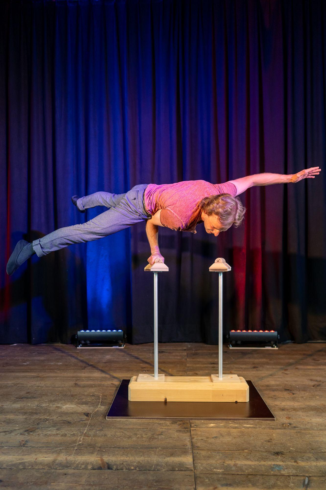 Akrobatik Maximilian Boy