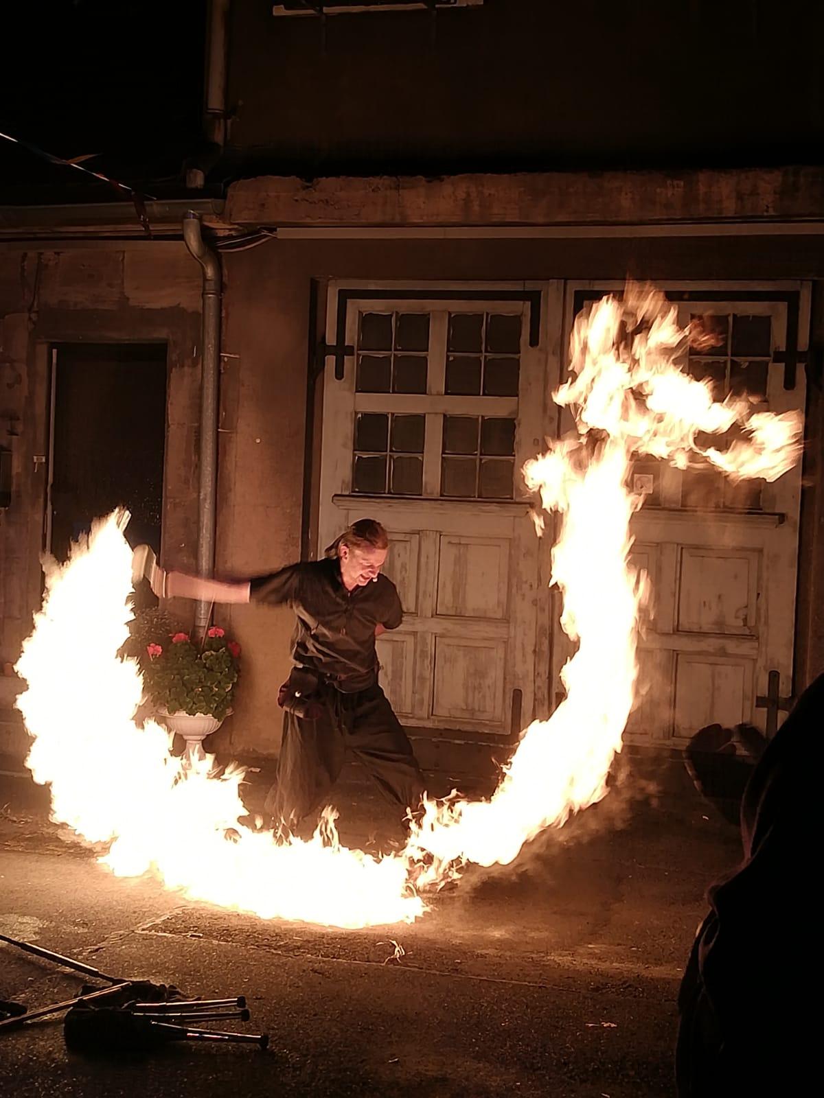 Feuershow Maximilian Boy
